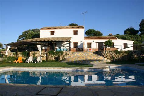 giardino biologico casas con la piscina