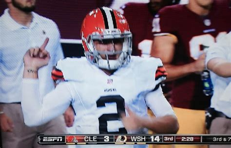 johnny manziel bench johnny manziel gives finger to redskins bench daily snark