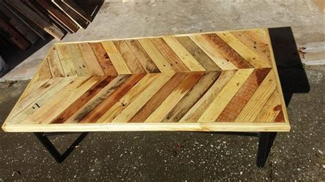 pallet wood table top chevron pallet coffee tables pallet wood projects