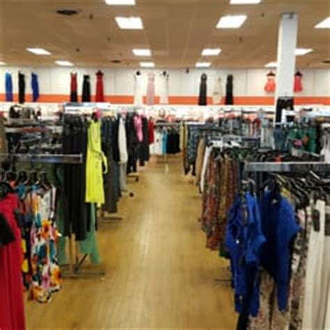 8 dollar fashion outlet dallas fashion outlet closed 11 photos 14 reviews outlet