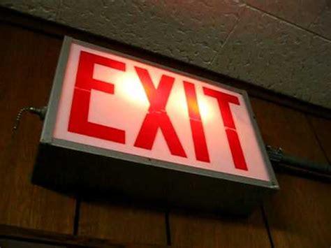 Hanelle Exit exit sign