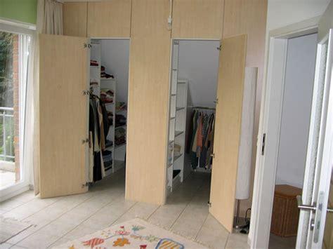 begehbarer kleiderschrank dachschräge selber bauen begehbarer schrank diy crafts