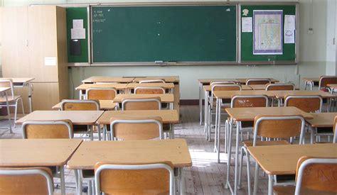 banchi di scuola dal riciclo dei pannolini ai banchi di scuola reoose