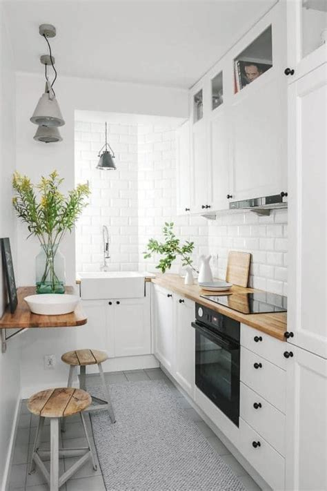 Small Narrow Kitchen Design by Best 25 Small Kitchens Ideas On Pinterest Small Kitchen