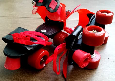 Sepatu Roda Hello sepatu roda anak karakter