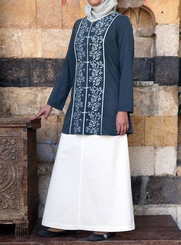 Marwa Top marwa embroidered top