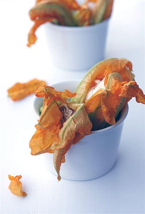 fiori di zucca ripieni di gamberi fiori di zucca ripieni di gamberi ricotta e provola l