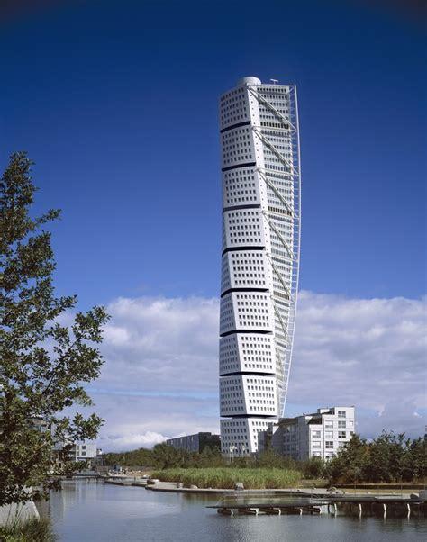Santiago Calatrava Turning Torso Tower Malmo Sweden | the stunning turning torso in malmo sweden
