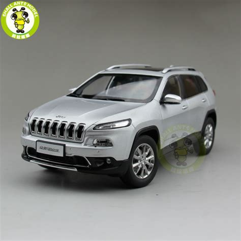 jeep cherokee toy 1 18 jeep cherokee diecast car suv model collection