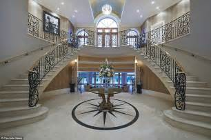 Circular Floor Plans by Essex Mansion Fit For Hollywood Starlet On Sale For 163 4m