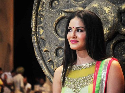 biography of leela movie sunny leone photo images hd wallpapers biography