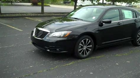 change chrysler 200 2011 chrysler 200 lower plate removal how to replace