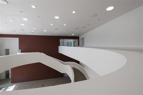 foyer museum sprengel museum in hannover beton kultur baunetz wissen