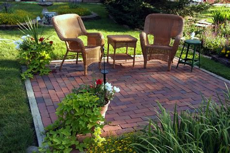Inexpensive Small Backyard Ideas Backyard Makeovers 10 Backyard Landscaping Ideas