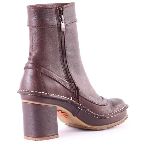 tate womens ankle boots in brown