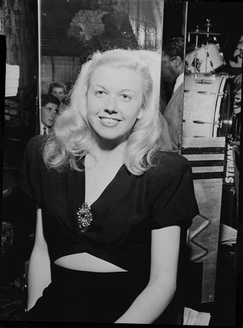 [Portrait of Doris Day, Aquarium, New York, N.Y., ca. July