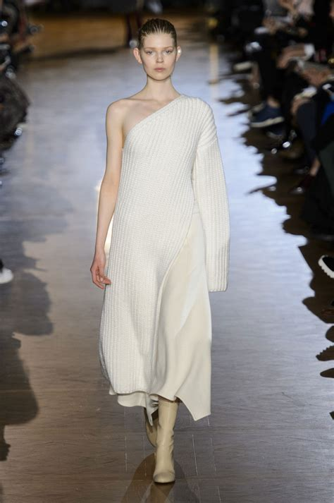 Stella Mccartney Fashion Week by Stella Mccartney At Fashion Week Fall 2015 Livingly