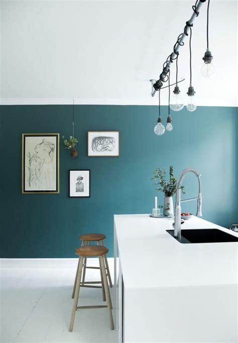 kitchen feature wall paint ideas 1001 id 233 es pour une cuisine bleu canard les int 233 rieurs