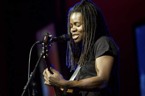 tracy chapman lyrics news and biography metrolyrics - Wedding Song Lyrics Tracy Chapman