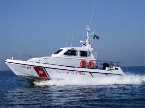 ufficio circondariale marittimo anzio anzio paura per un peschereccio la guardia costiera lo