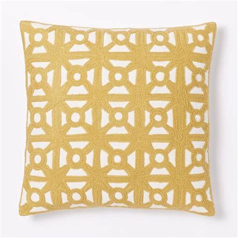 Crewel Pillow Covers by Modern Crewel Lattice Pillow Cover Horseradish West Elm