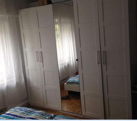 möbel braun kleiderschrank wohnzimmerdecke