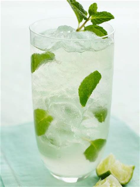 bacardi mojito recipe best 25 how to make mojitos ideas on pinterest cocktail