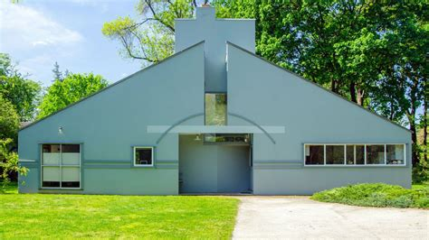 3 Bedroom House For Rent In Los Angeles vanna venturi house in chestnut hill achieves historic