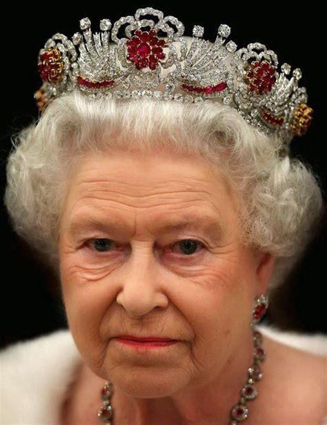queen elizabeth 2 tiara mania queen elizabeth ii of the united kingdom s