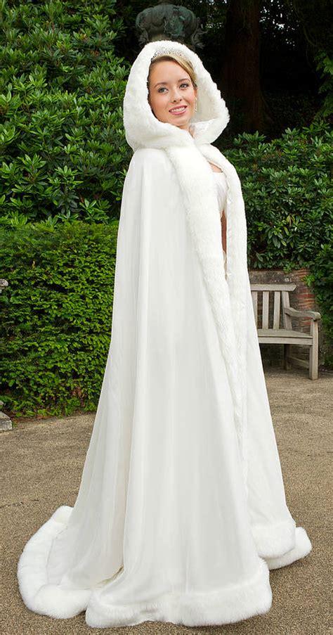 braut cape hooded bridal cape with faux fur trim by wonderful wraps