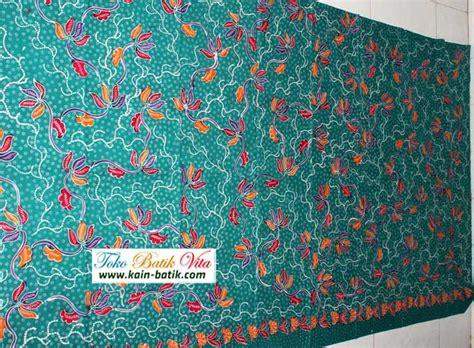 Kain Batik Madura Motif Mutiara Ungu batik madura bunga berseri kbm 2709 kain batik murah