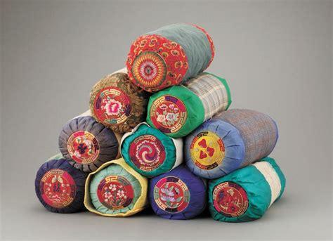 korean arts and crafts for 베개의 모든 것 볼 수 있는 특별전 디보이스 베개 korean