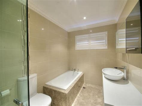 provincial bathroom design with built in shelving