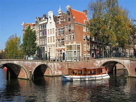 amsterdam in bruselj kolesarjenje pohodništvo rafting