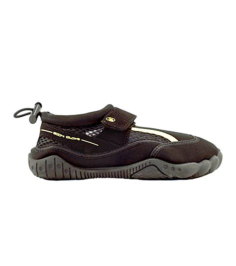 glove water shoes glove s seek water shoe at swimoutlet