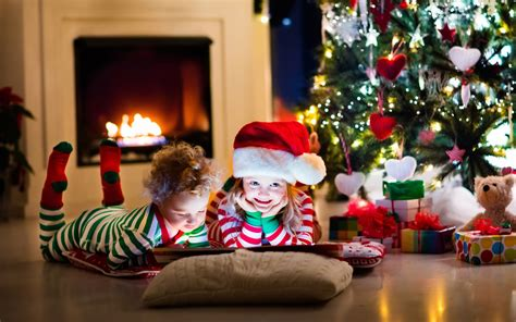 wallpaper christmas presents kids santa hat decoration  celebrations christmas