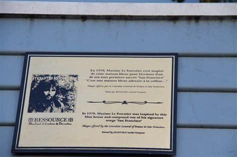 maison bleu maxime le forestier plaque picture of