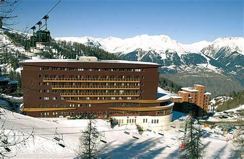 Novo Eyebrow St Novo St Alis hotel l ouillon les trois lacs 224 st sorlin d arves compar 233