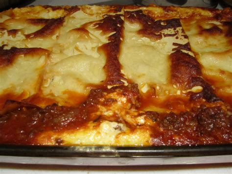 beef lasagna with cottage cheese bakingmehungry
