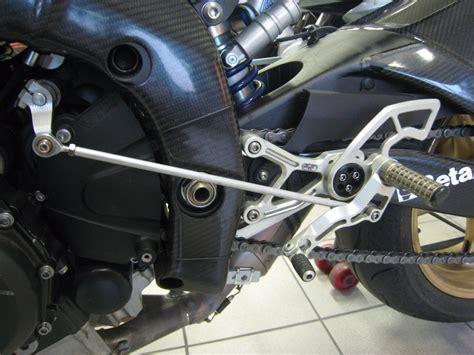 pedane arretrate r6 yamaha r6 2006 2016 robby moto pedane arretrate regolabili