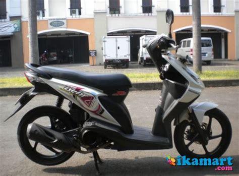 Honda Beat Putih 2013 honda beat cw 2009 putih cimahi motor