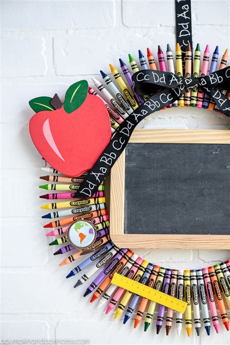 homemade teacher gift how to make a crayon monogram diy chalkboard crayon wreath a great teacher gift to