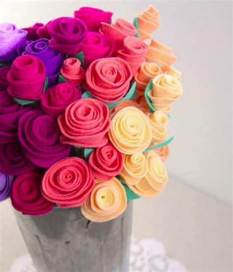 membuat kerajinan bunga  kain flanel  membuat