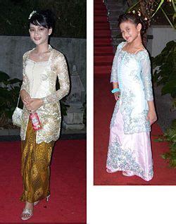 foto busana kebaya batik indonesia com fashion baju kebaya modern indonesia