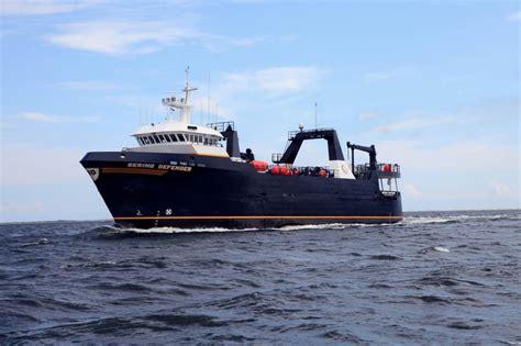 defender fishing boat alaska bering defender global seas