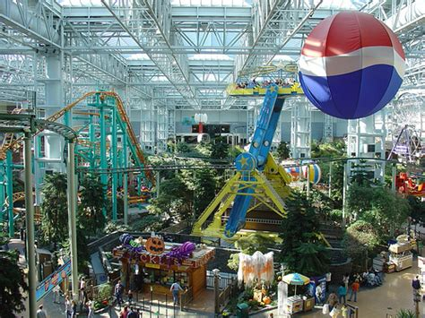 theme parks in us mall of america theme park showing only a small part of