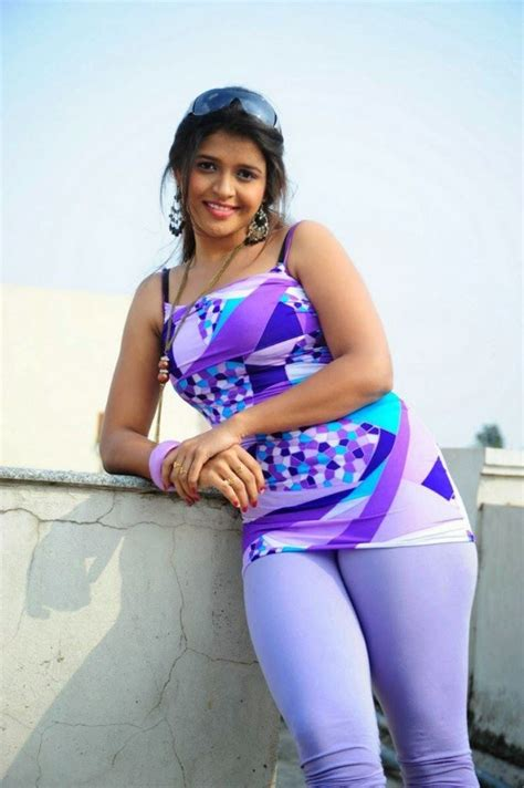 bollywood heroine photo shoot tamil side heroine ashwi latest cute photo shoot photos
