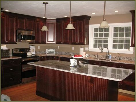 kitchen cabinets cherry wood 25 best ideas about cherry wood kitchens on pinterest