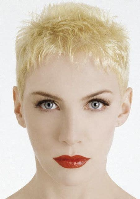 female rock singers with short hair annie lennox singers and bands pinterest annie