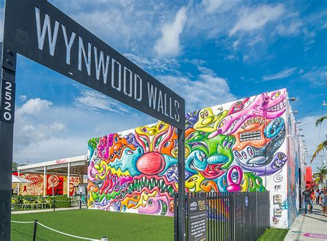 discover  global street art  center stage